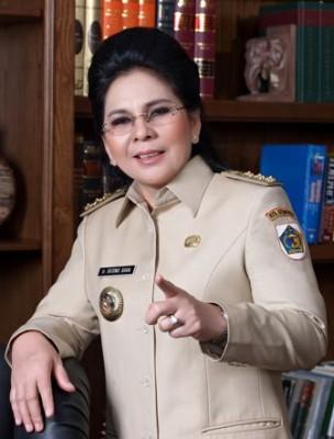 Wali Kota Kotamobagu Ir. Hj. Tatong Bara