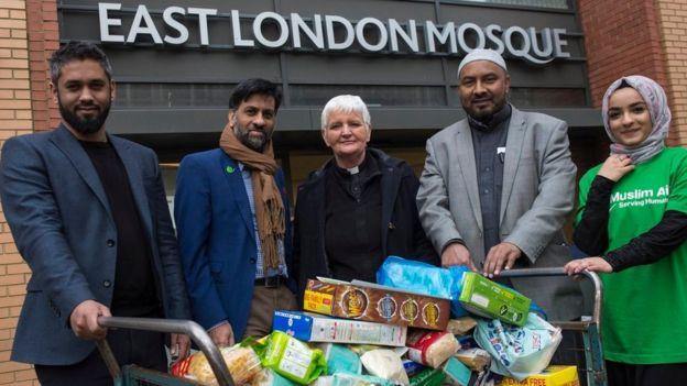 Ini yang Dilakukan Warga Muslim di London untuk Membantu Tunawisma Selama Natal