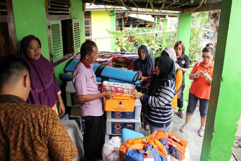 BPBD Salurkan Bantuan Bagi Warga Korban Keganasan Gelombang Laut