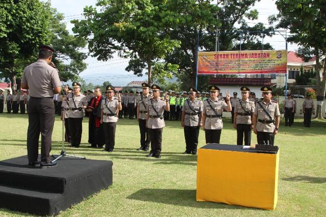 Polres Bolmong Gelar Sertijab, Dua Kasat dan Tiga Kapolsek Diganti