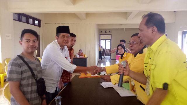 Resmi Mendaftar di Partai Golkar, Kokon Siap Disurvey Balon Wawali