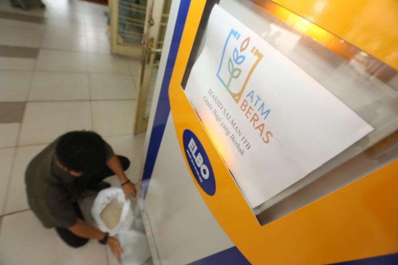 2018, Pemkab Bolmong Luncurkan ATM Beras