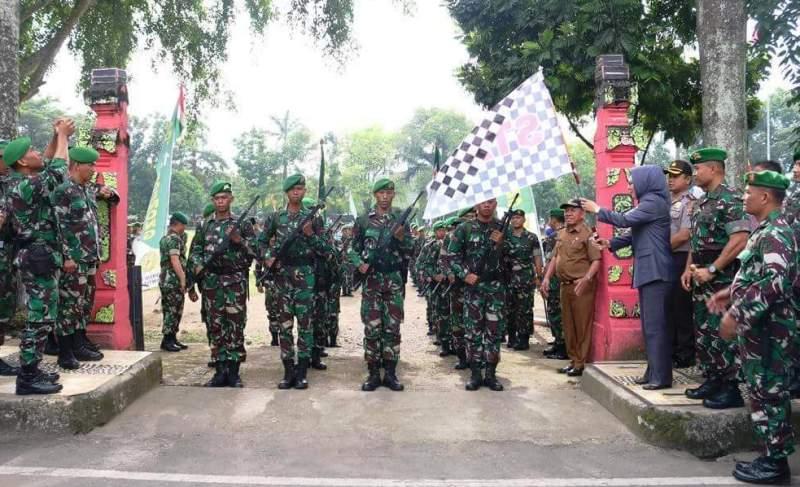 Hadiri Upacara Pelepasan Gerak Jalan Peleton Beranting, Wali Kota Uangkapkan Kebanggannya