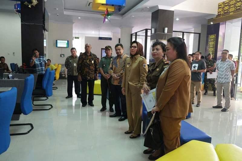 Wali Kota Tatong Bara Pejabat Pertama yang Melaporkan Pajak