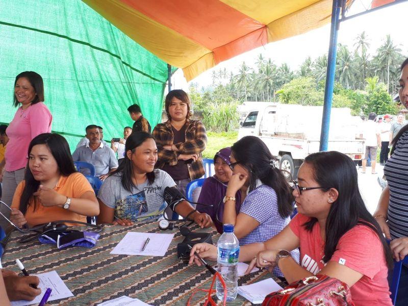 Pascasarjana Unsrat Lakukan Pemerikasaan Kesehatan Gratis di Desa Kopandakan II