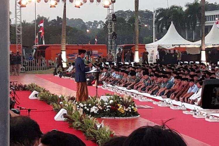 Jokowi Umumkan Tunjangan TNI dan Polri Naik 70 Persen Mulai Juli 2018