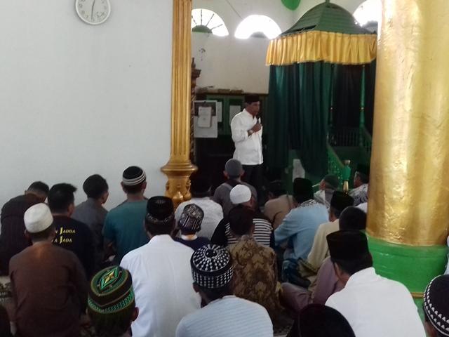 Bupati Boltim Salat Jumat Berjamaah di Masjid Annur Desa Bulawan
