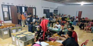 Panitia Pemilihan Kecamatan (PPK) Kotamobagu Selatan akhirnya merampungkan proses rekapitulasi perhitungan suara di setiap desa dan kelurahan se-Kota Kotamobagu Selatan, Minggu (1/7/2018) sekitar pukul 00.45 WITA.