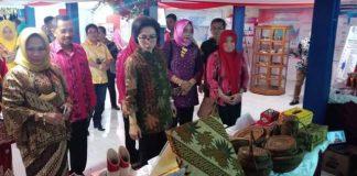 Yasti Paparkan Produk Unggulan Kabupaten Bolmong yang Ditampilkan di Stand Pameran