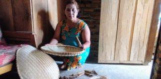 Pengrajin Tampah Bambu di Kotamobagu Masih Terus Eksis