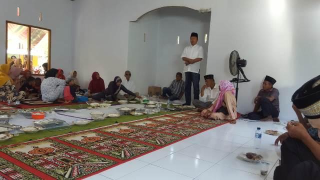 Hadiri Doa Syukuran Pembangunan Musholla di Desa Pangi, Herson Mayulu Banjir Dukungan
