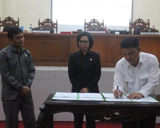 DPRD Gelar Rapat Paripurna Penetapan Kesepakatan KUA-PPAS APBD Bolmong Tahun 2019
