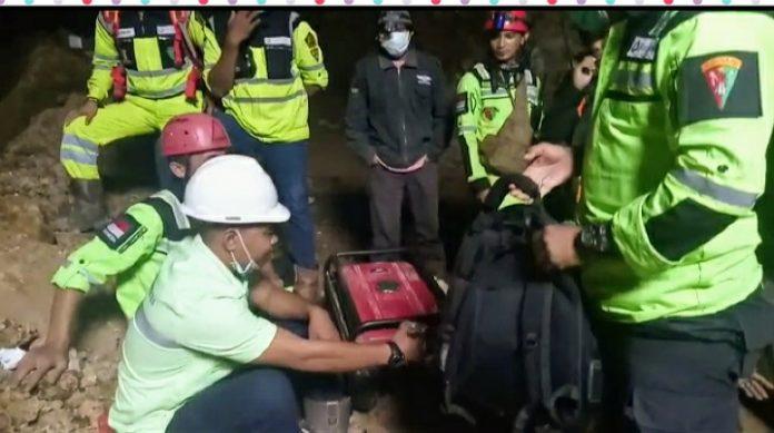 Sosok Berbadan Besar Berpakaian Putih di Lubang Evakuasi Buat Operator Excavator Ketakutan