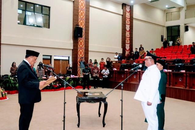 Gubernur Sulut Resmi Lantik Deddy Abdul Hamid Sebagai Wabup Bolsel