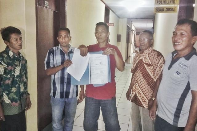 Diduga Palsukan Tanda Tangan, Oknum Kepala Desa Komangaan Dilaporkan ke Kejari