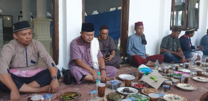 Bupati Bolsel dan Herson Mayulu Safari Ramadhan Bersama di Desa Momalia