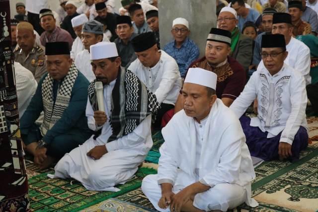 Sholat Ied di Masjid Nur-Jannah, Bupati Boltim Pimpin Takbir