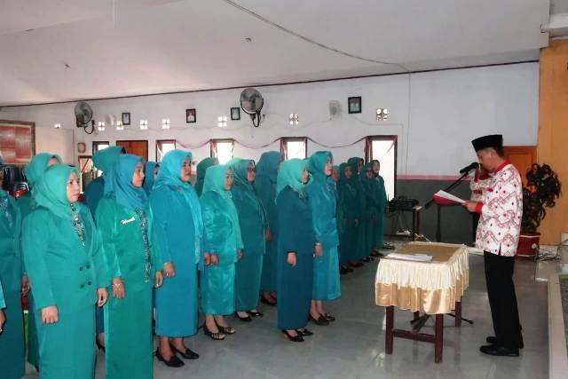 Kukuhkan Pengurus TP PKK Kabupaten Bolsel, Berikut Pesan Bupati Iskandar Kamaru