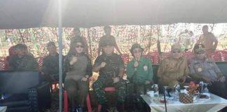 Tampilan Cantik Army Look Yasti dan Tatong