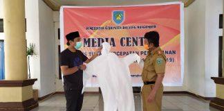 Pemerintah Kabupaten Bolmong (Bolaang Mongondow) menerima bantuan 50 Alat Pelindung Diri (APD), berupa baju hazmat dari Indonesian Hospital And Clinic Watch (INHOTCH).