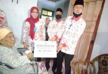 Salurkan BLT Dandes Tahap Dua, Iskandar: Jika Aada Masalah Segera Melapor ke Sangadi, Jangan ke Medsos