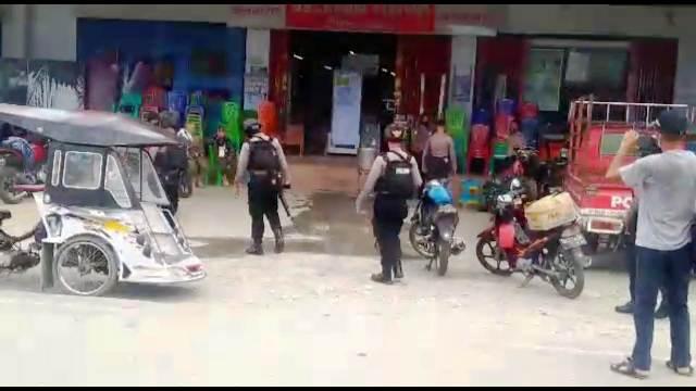 Polres Buol Berikan Edukasi Disiplin Protokol Kesehatan dengan Cara Patroli Jalan Kaki