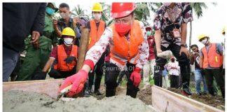 Program KOTAKU di Bolsel Diawali dengan Peletakan Batu Pertama oleh Bupati