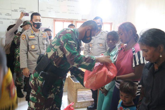 TNI-Polri Lakukan Trauma Healing Korban Kekerasan di Lemban Tongoa