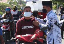 Cegah Covid-19, Guru di Kabupaten Buol Bagikan Masker Gratis