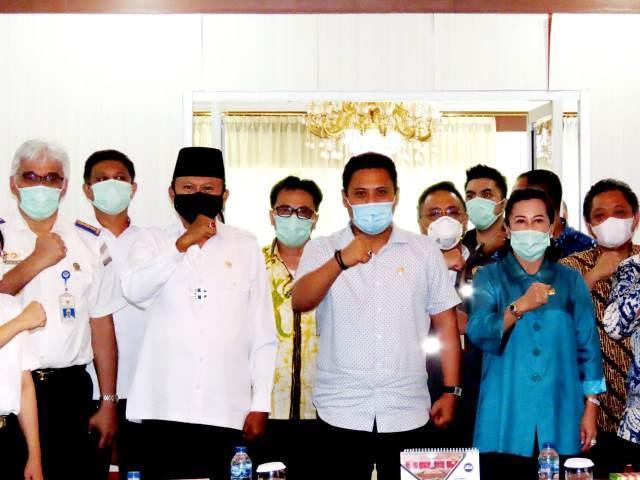 Kunjungan Kerja Komisi V DPR RI, Herson Berharap Penerbangan ke Wilayah Kepulauan di Sulut Tidak Macet