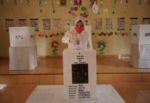 Wali Kota Berikan Hak Suara di TPS 10 Kelurahan Matali