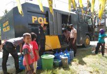 Polres Buol Pasok Ribuan Liter Air Bersih Untuk Korban Banjir