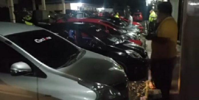 Satlantas Polres Kotamobagu Amankan 8 R4 yang Lakukan Balapan Liar di Jalan Bubak