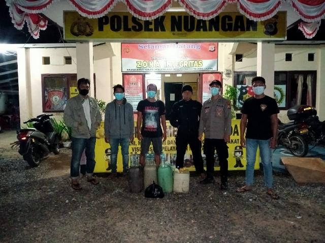 Polsek Nuangan Sita Puluhan Liter Miras Jenis Cap Tikus di Kecamatan Motongkad