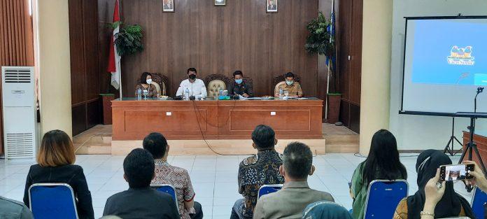 Sekda Bolmong Buka Sosialisasi TPAKD dari OJK