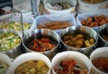 Sunarti Jalankan Bisnis Makanan Lauk Pauk