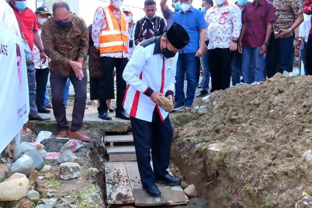 Ini Harapan Herson Saat Melakukan Peletakan Batu Pertama Program KOTAKU di Desa Biniha