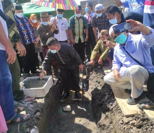 Wawali Hadiri Peletakan Batu Pertama Pembangunan Masjid di Desa Poyowa Kecil