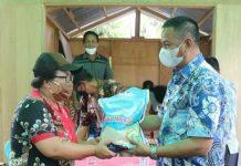 Wabup Oskar Manoppo, Salurkan Bantuan Korban Banjir di Desa Molobog Timur