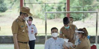 Iskandar Tinjau Vaksinasi ASN di Lingkungan Pemkab Bolsel