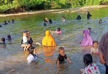 Jaga Tradisi Turun Temurun, Masyarakat Desa Tangagah Lakukan Mandi Safar